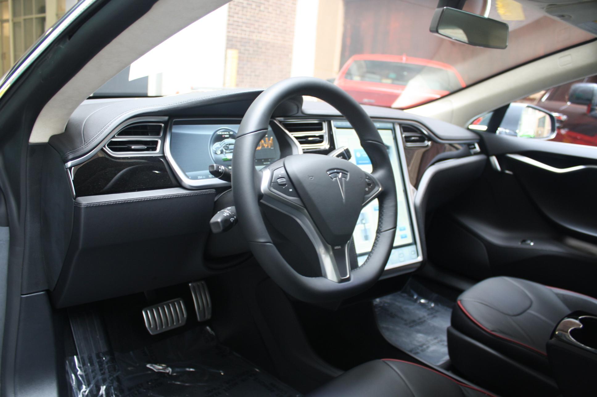 Tesla Model S 60 Interior