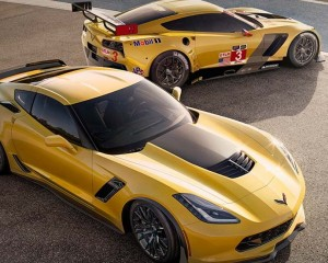 2016 Chevrolet Corvette Z06 and C7R
