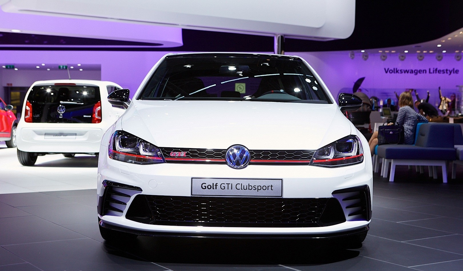2016 Volkswagen Golf GTI Clubsport Front End Photo