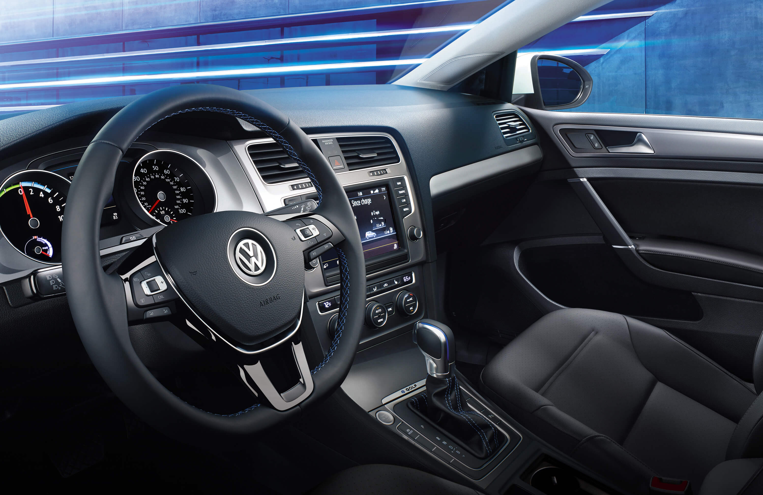 2016 Volkswagen e-Golf Cockpit Interior