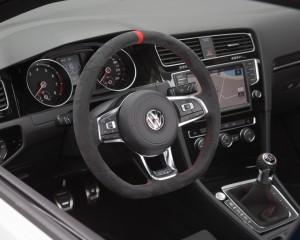 Volkswagen Golf GTI Clubsport Streering and Speedometer