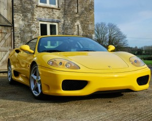 Front Design: (Yellow) 2001 Ferrari 360 Modena