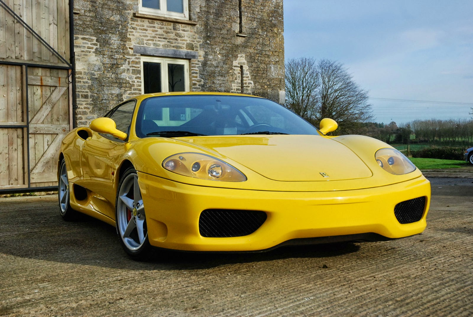 Front Design: (Yellow) 2001 Ferrari 360 Modena