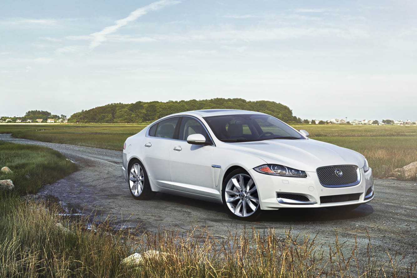 Preview: 2015 Jaguar XF White