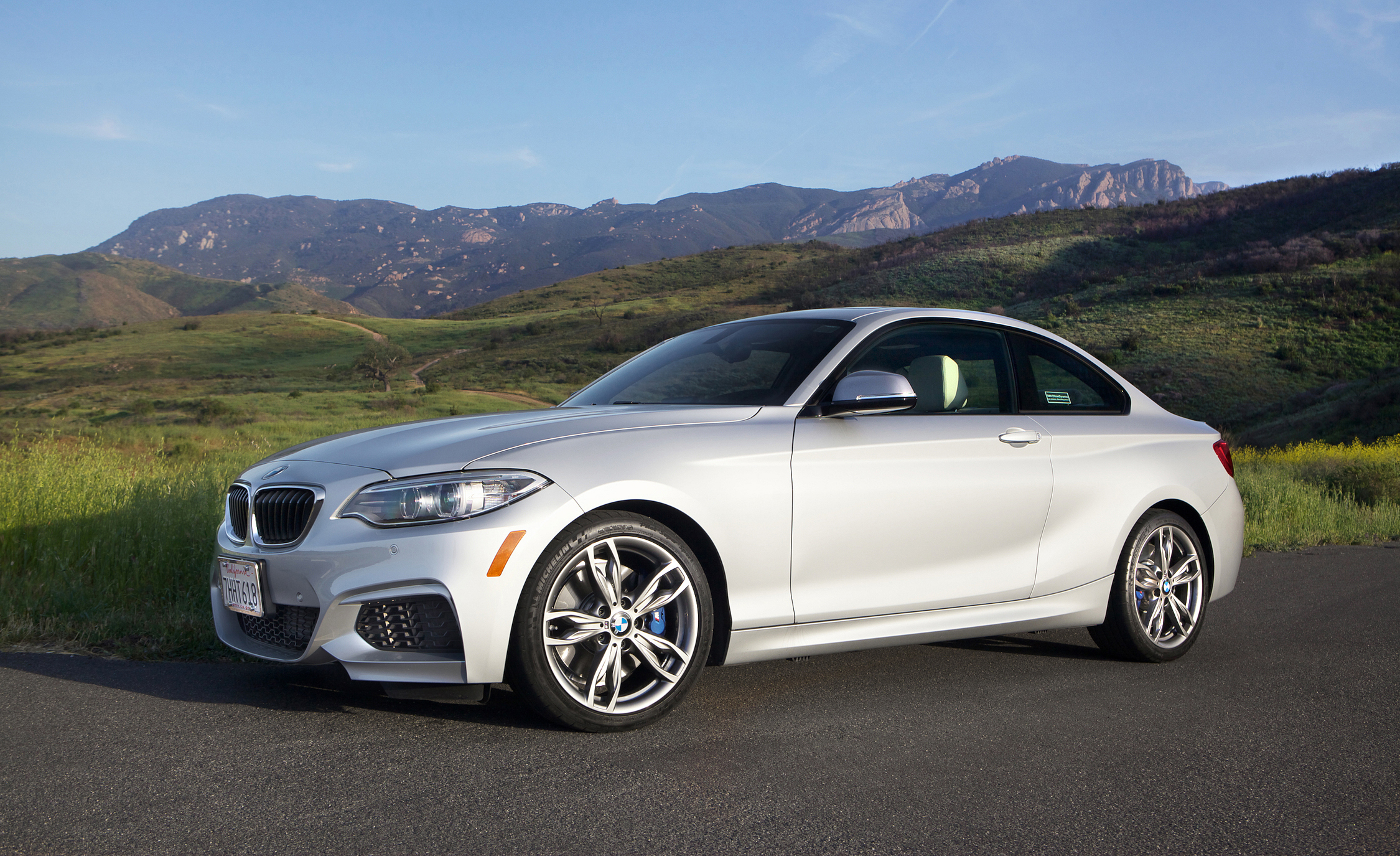 2015 BMW M235i xDrive Exterior Side and Front