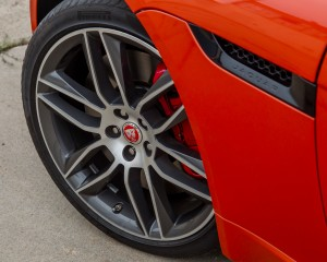 2015 Jaguar F-type R Coupe Exterior Wheel