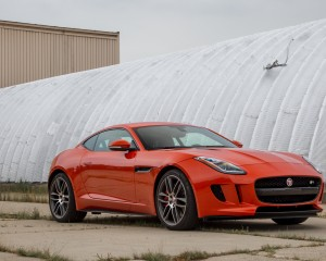2015 Jaguar F-type R Exterior Front and Side