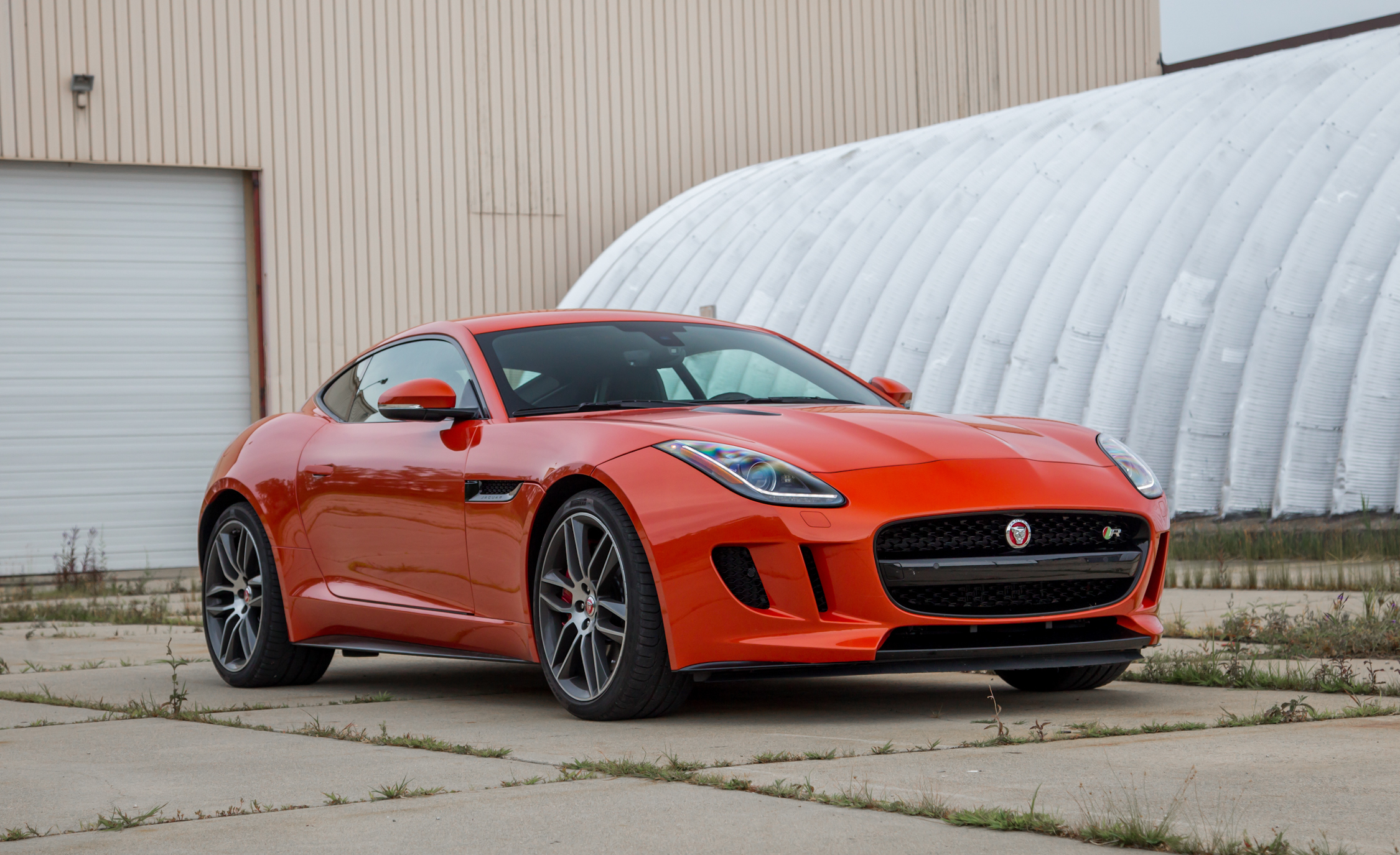 2015 jaguar f type coupe specs and reviews 722 cars performance reviews and test drive. Black Bedroom Furniture Sets. Home Design Ideas