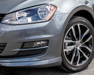 2015 Volkswagen Golf 1.8T TSI Exterior Headlight and Wheel