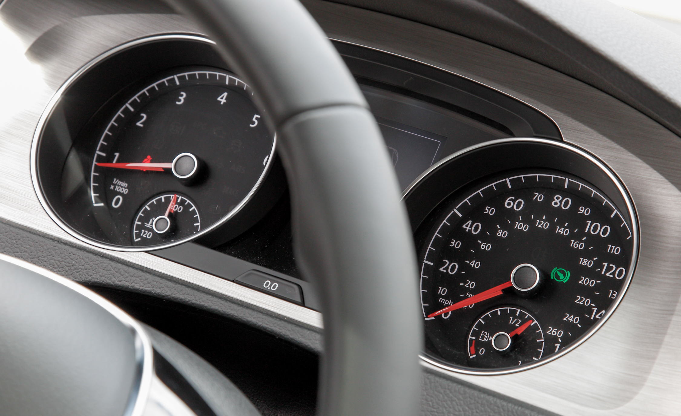 2015 Volkswagen Golf 1.8T TSI Interior Speedometer
