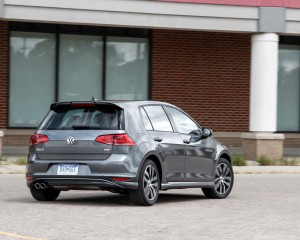 2015 Volkswagen Golf 1.8T TSI Test Rear and Side View