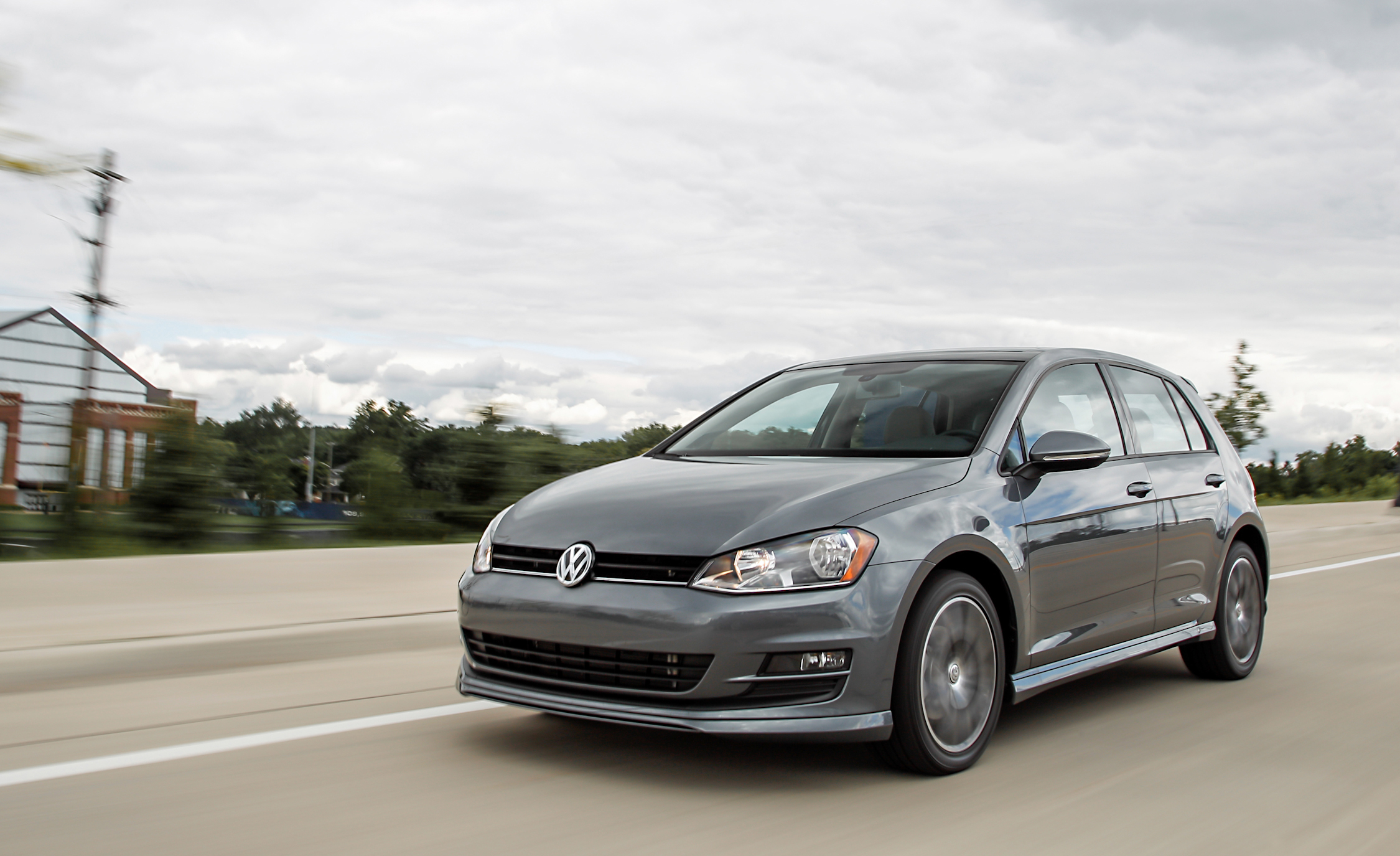 2015 volkswagen golf 1 8t tsi 8660 cars performance reviews and test drive. Black Bedroom Furniture Sets. Home Design Ideas