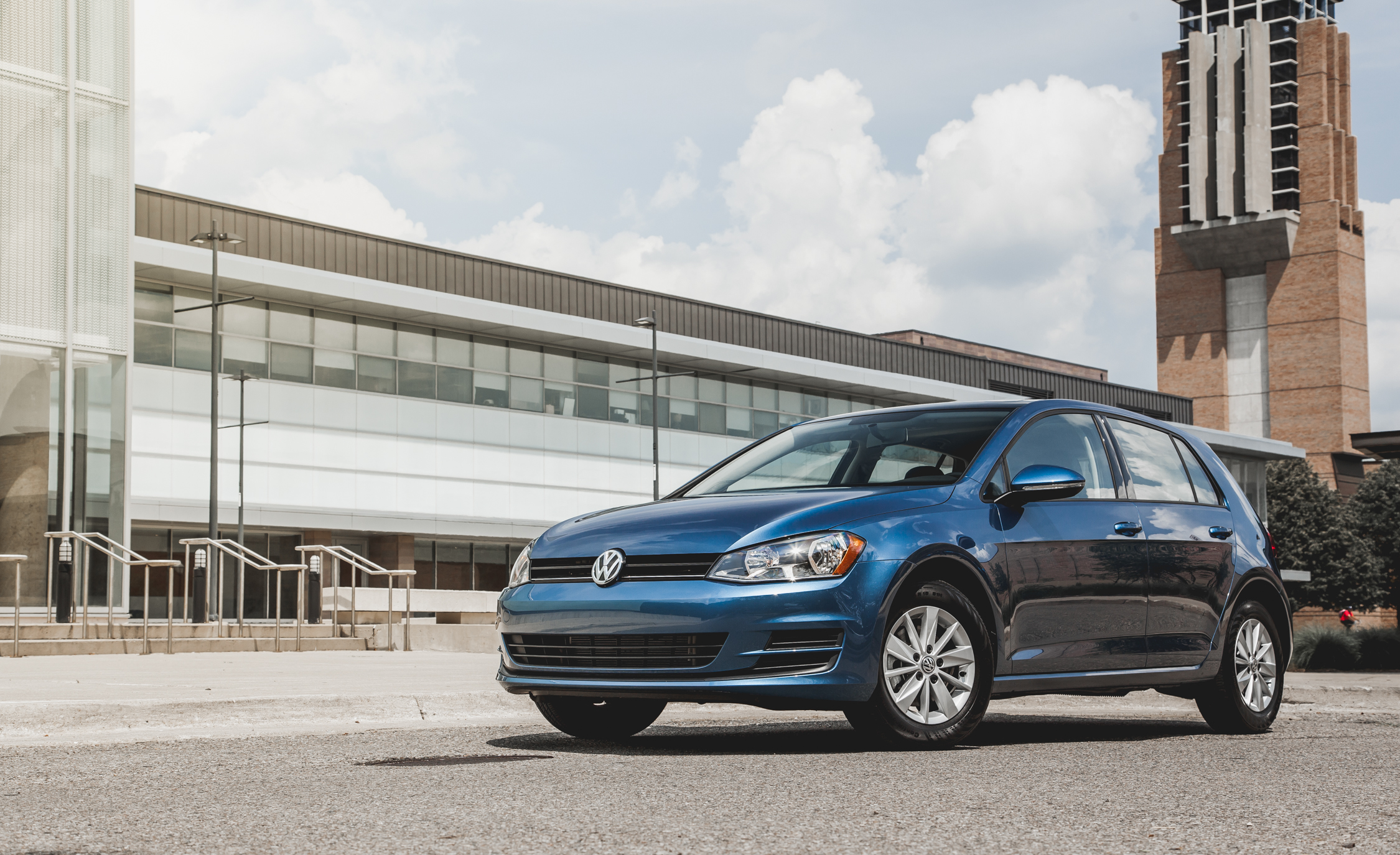 2015 Volkswagen Golf TSI Exterior Front and Side