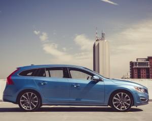 2015 Volvo V60 Exterior Full Side