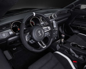 2016 Ford Mustang Shelby GT350R Cockpit and Dashboard