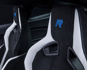 2016 Ford Mustang Shelby GT350R Front Seats