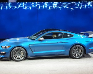2016 Ford Mustang Shelby GT350R Side Exterior