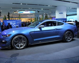 2016 Ford Mustang Shelby GT350R Side Profile