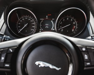 2016 Jaguar F-Type S Coupe Interior Speedometer