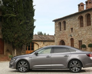 2016 Renault Talisman Side Body