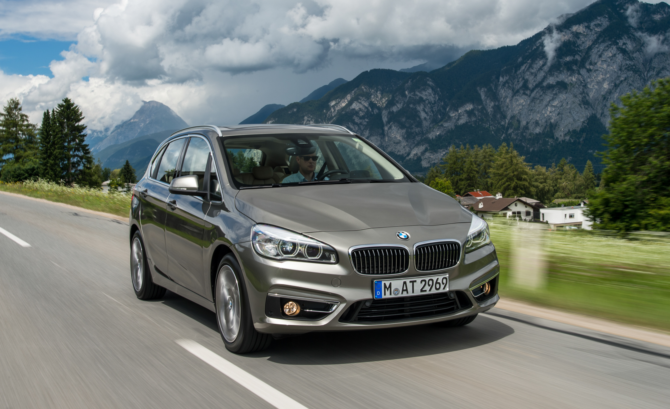225i The Bmw 2 Series Active Tourer For American Citizen