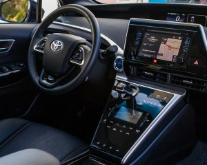 Interior Cockpit Toyota Mirai 2016