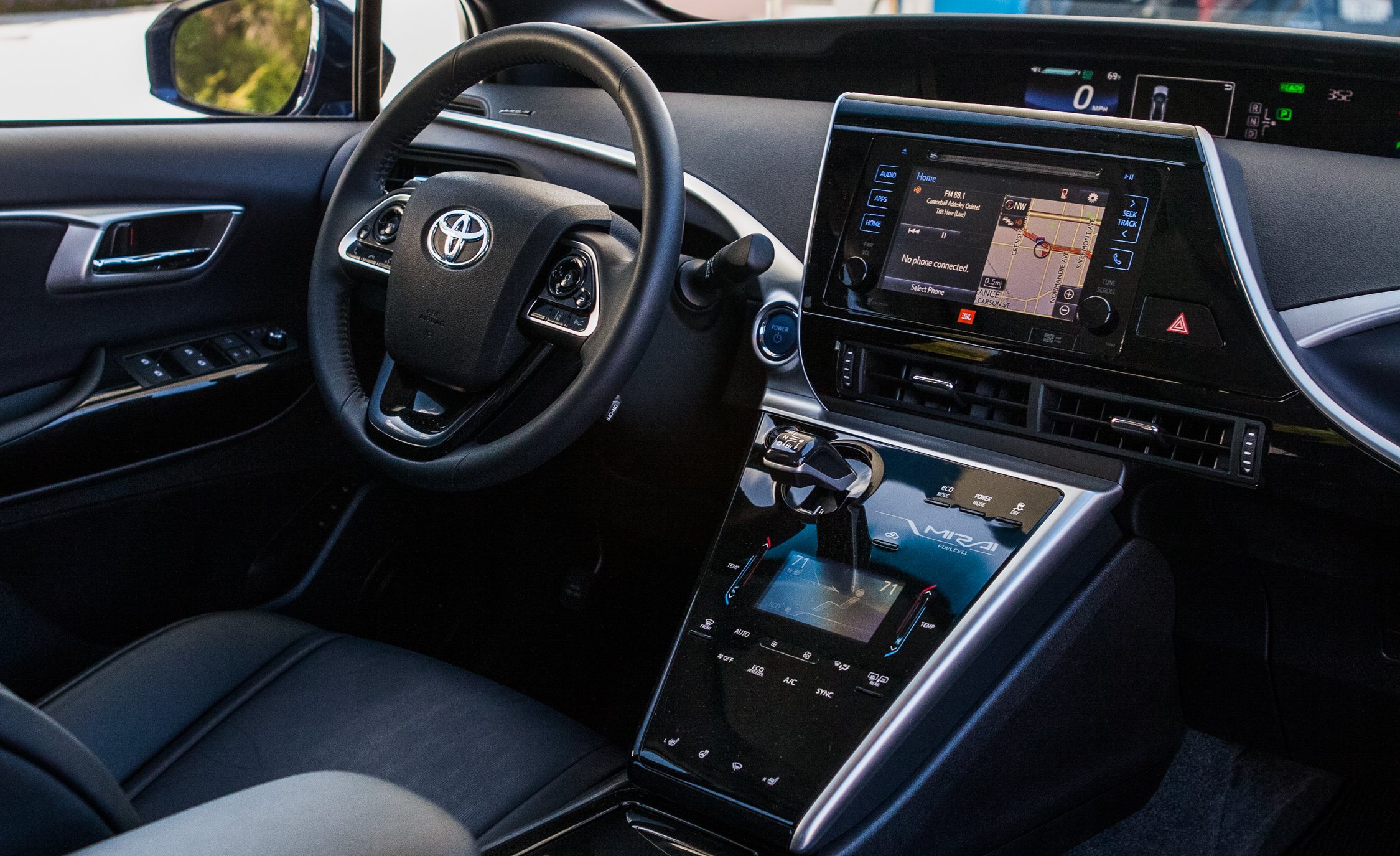 interior cockpit toyota mirai 2016 7795 cars performance reviews and test drive. Black Bedroom Furniture Sets. Home Design Ideas