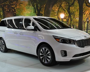 Exterior Preview: 2015 Kia Sedona