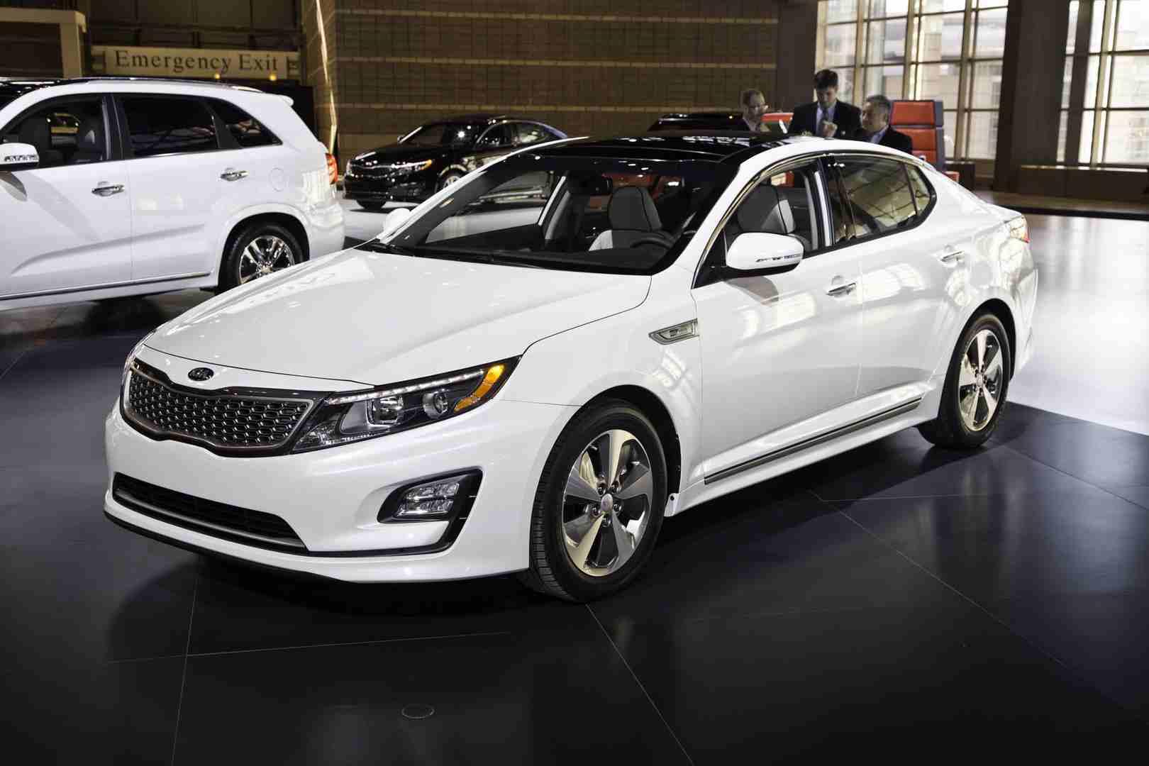 Midsize Sedan: 2015 Kia Optima