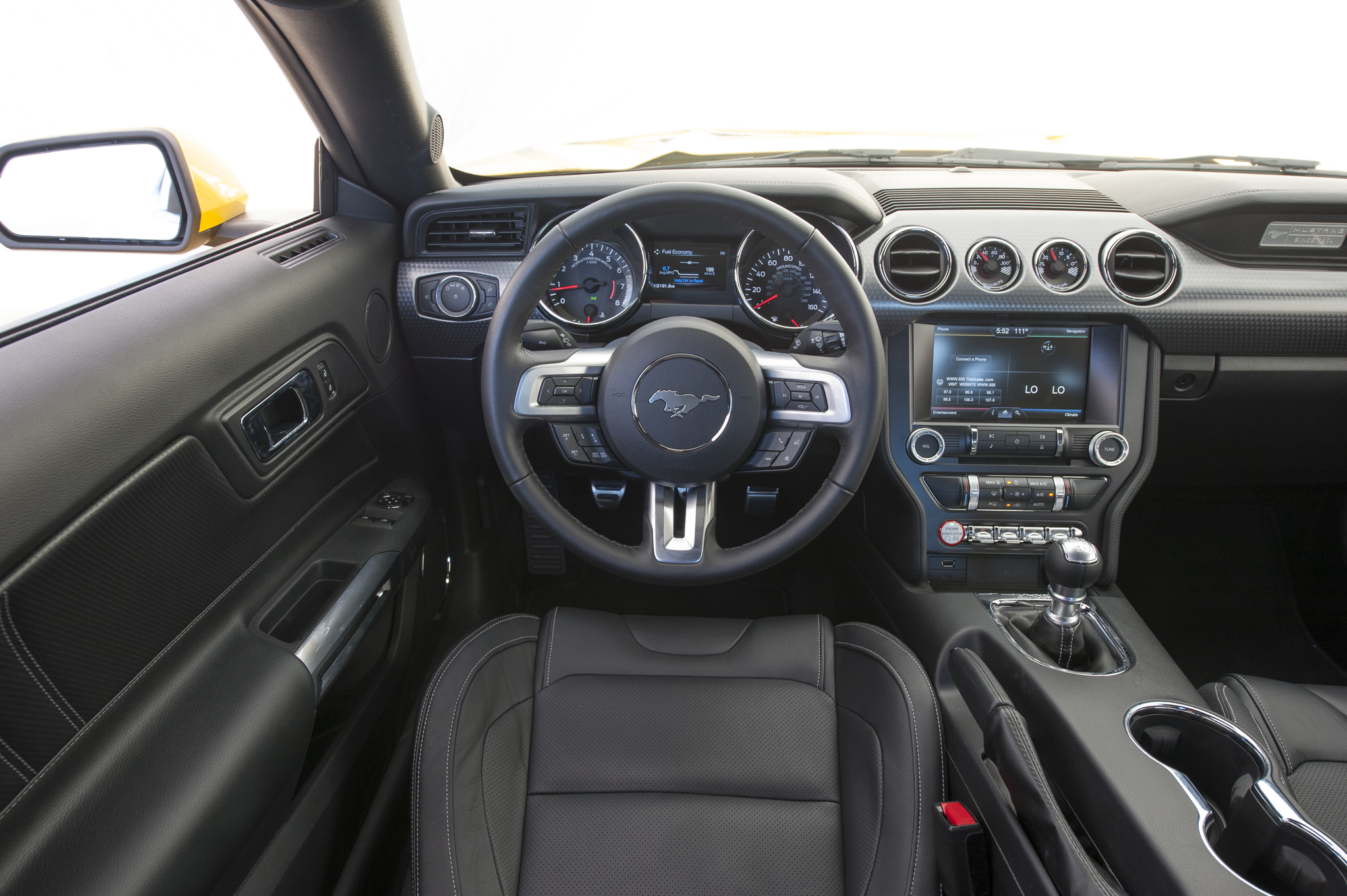 2015 dodge challenger manual vs automatic transmission. Black Bedroom Furniture Sets. Home Design Ideas