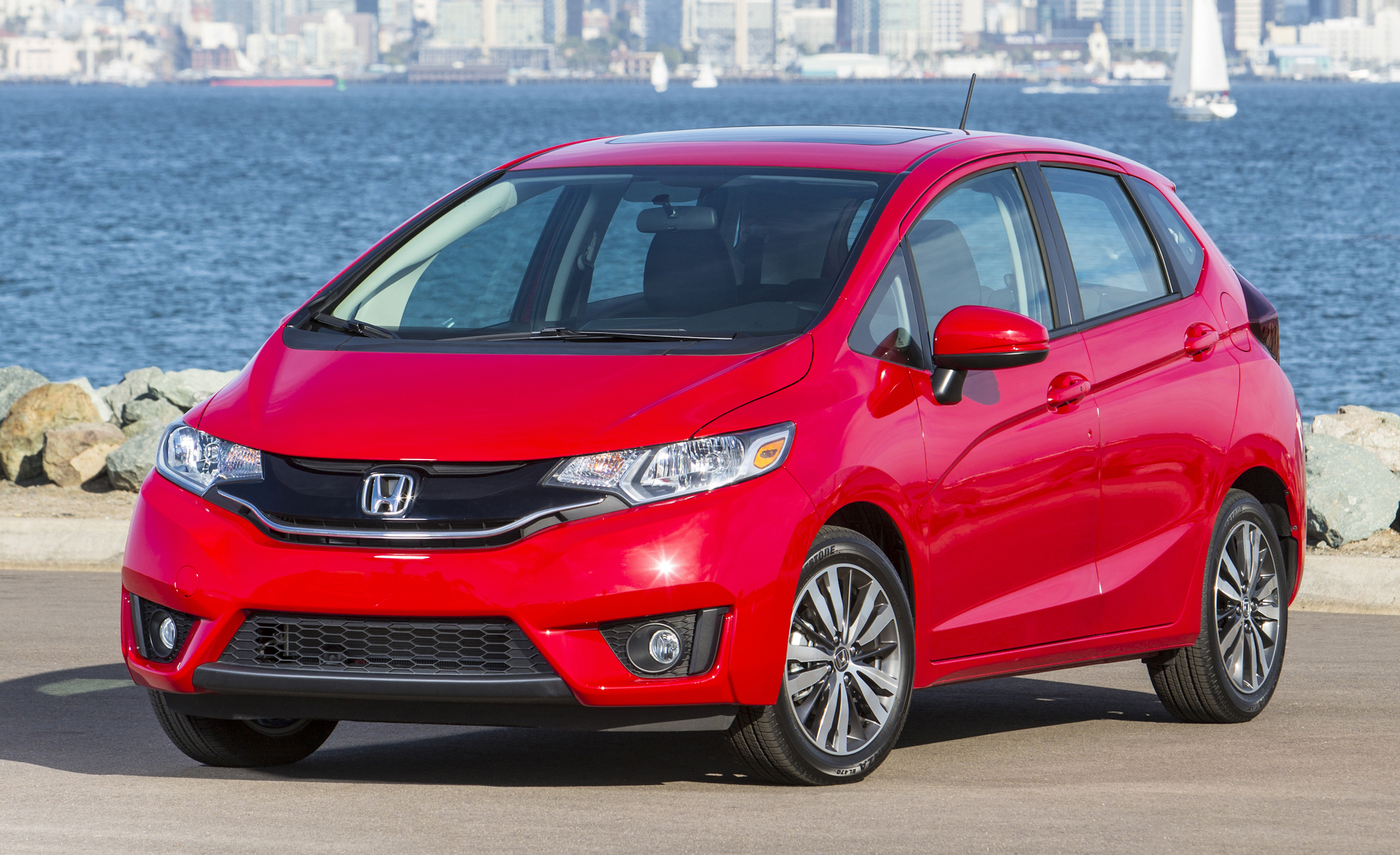 enjoying 2015 honda fit riding 668 cars performance. Black Bedroom Furniture Sets. Home Design Ideas