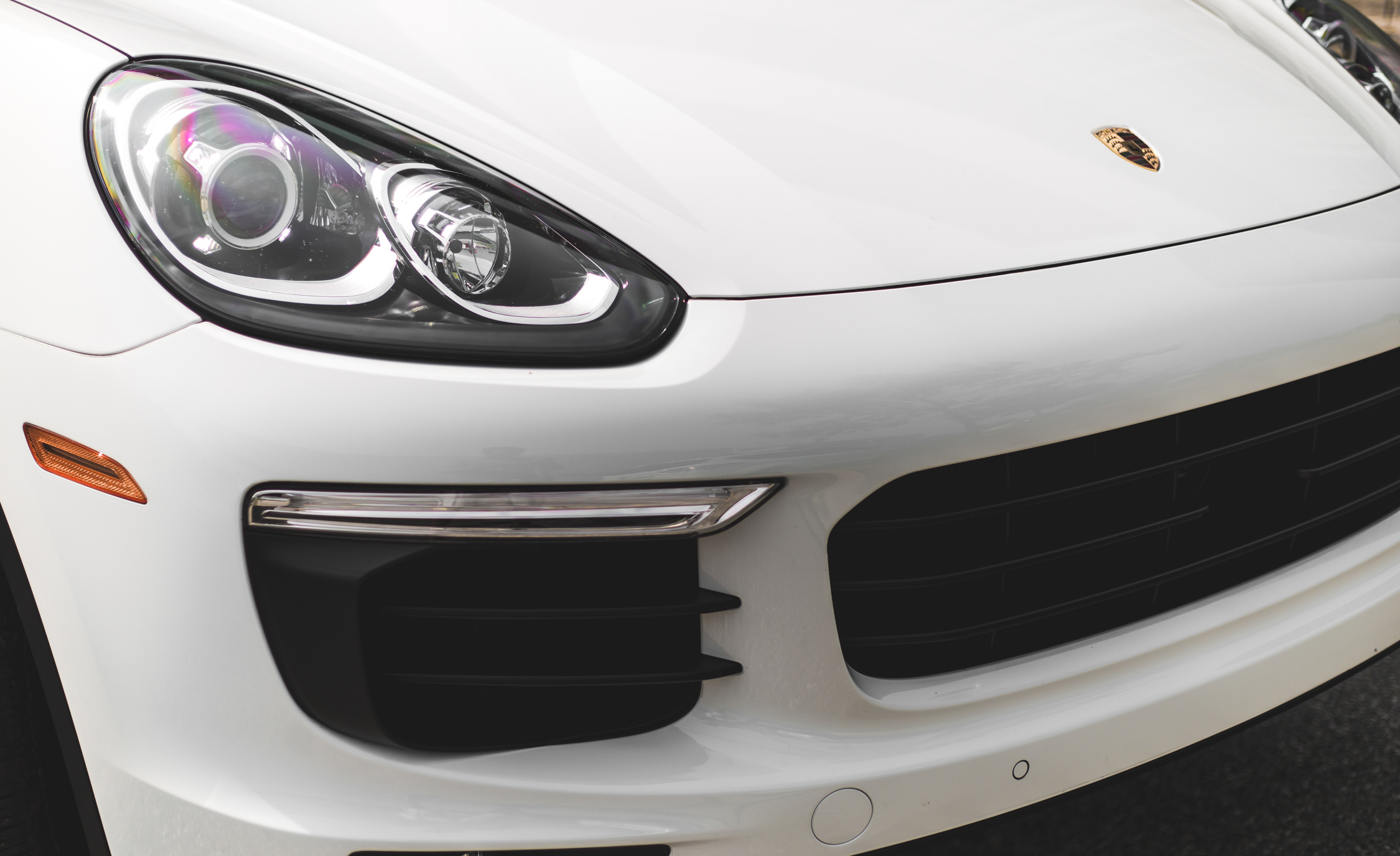 2015 Porsche Cayenne S E-Hybrid Exterior Right Headlamp