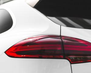2015 Porsche Cayenne S E-Hybrid Exterior Taillight