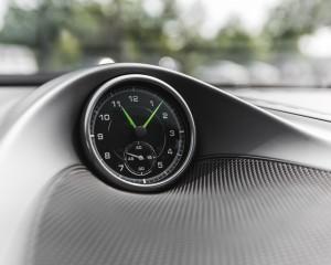 2015 Porsche Cayenne S E-Hybrid Interior Clock
