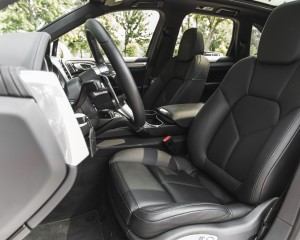 2015 Porsche Cayenne S E-Hybrid Interior Cockpit Seat
