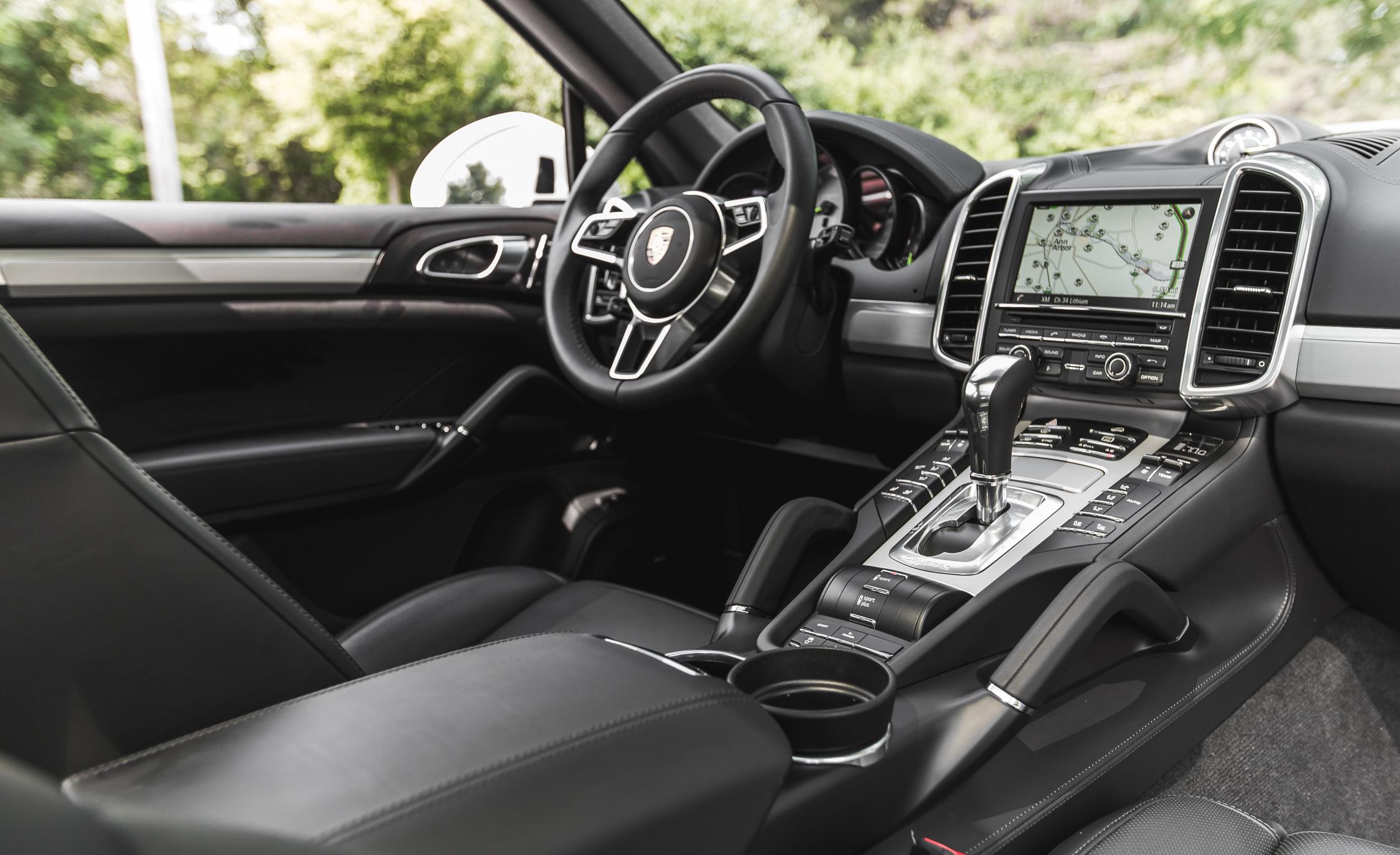 2015 Porsche Cayenne S E-Hybrid Interior Cockpit
