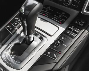 2015 Porsche Cayenne S E-Hybrid Interior Gear Shift Knob