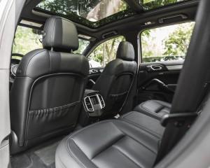 2015 Porsche Cayenne S E-Hybrid Interior Rear Seats