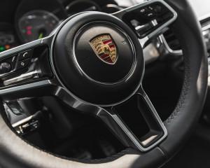 2015 Porsche Cayenne S E-Hybrid Interior Steering
