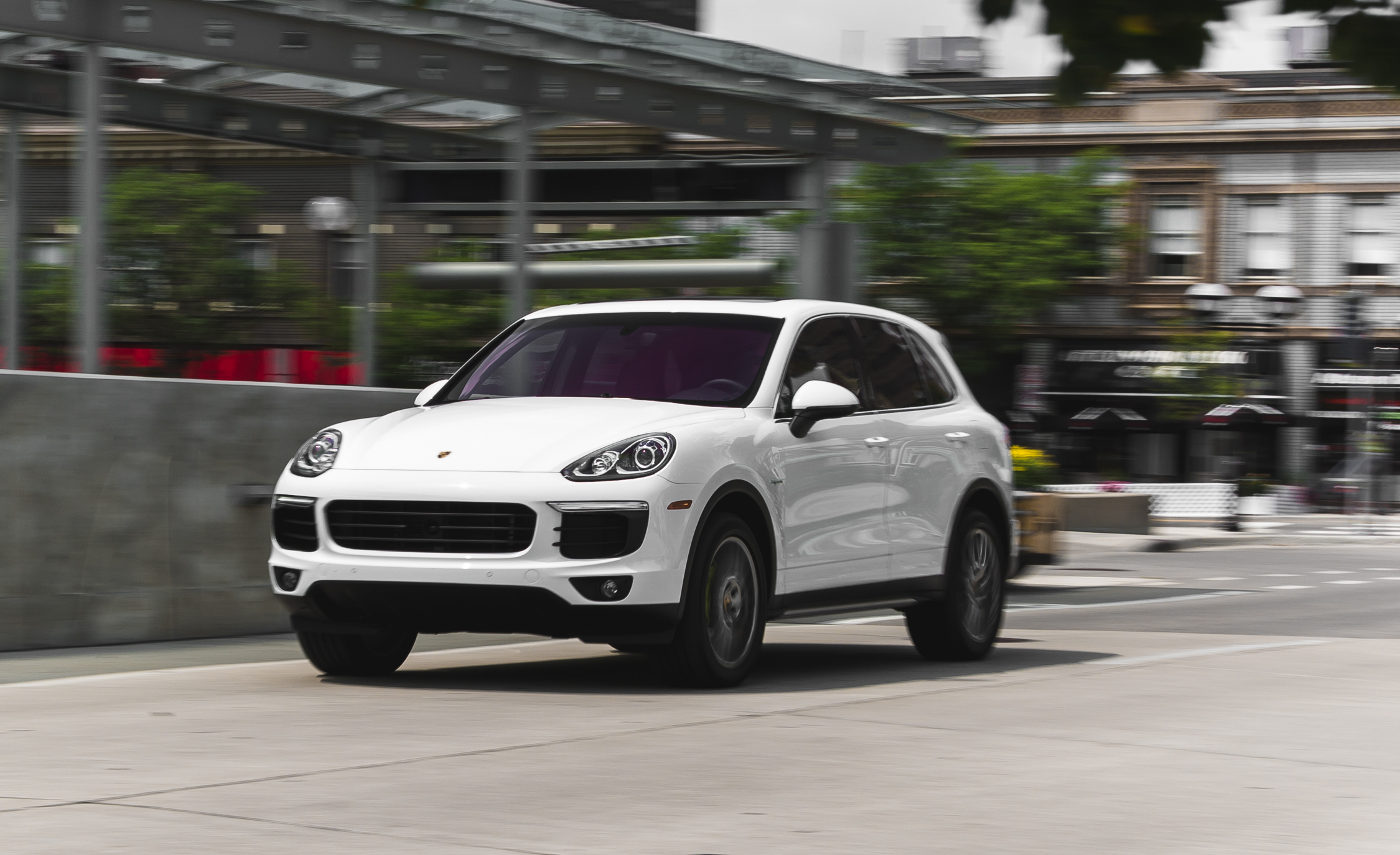 2015 porsche cayenne s e hybrid changes 7502 cars performance reviews and test drive. Black Bedroom Furniture Sets. Home Design Ideas