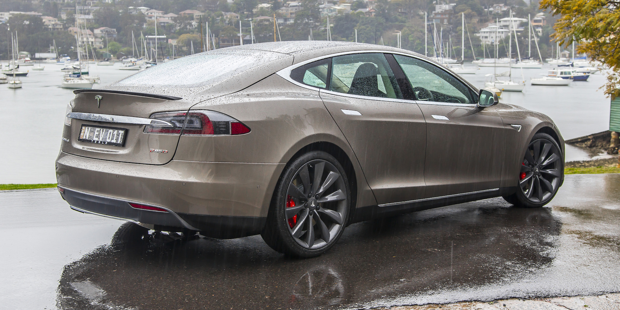 2015 Tesla Model S P85D First Sight