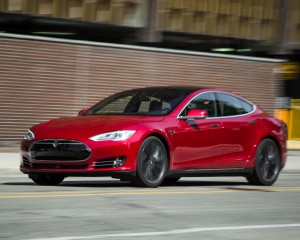 2015 Tesla Model S P85D Preview Test