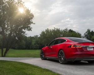 2015 Tesla Model S P85D Rear Exterior