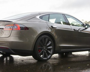 2015 Tesla Model S P85D Rear and Side Body