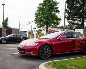 2015 Tesla Model S P85D Red