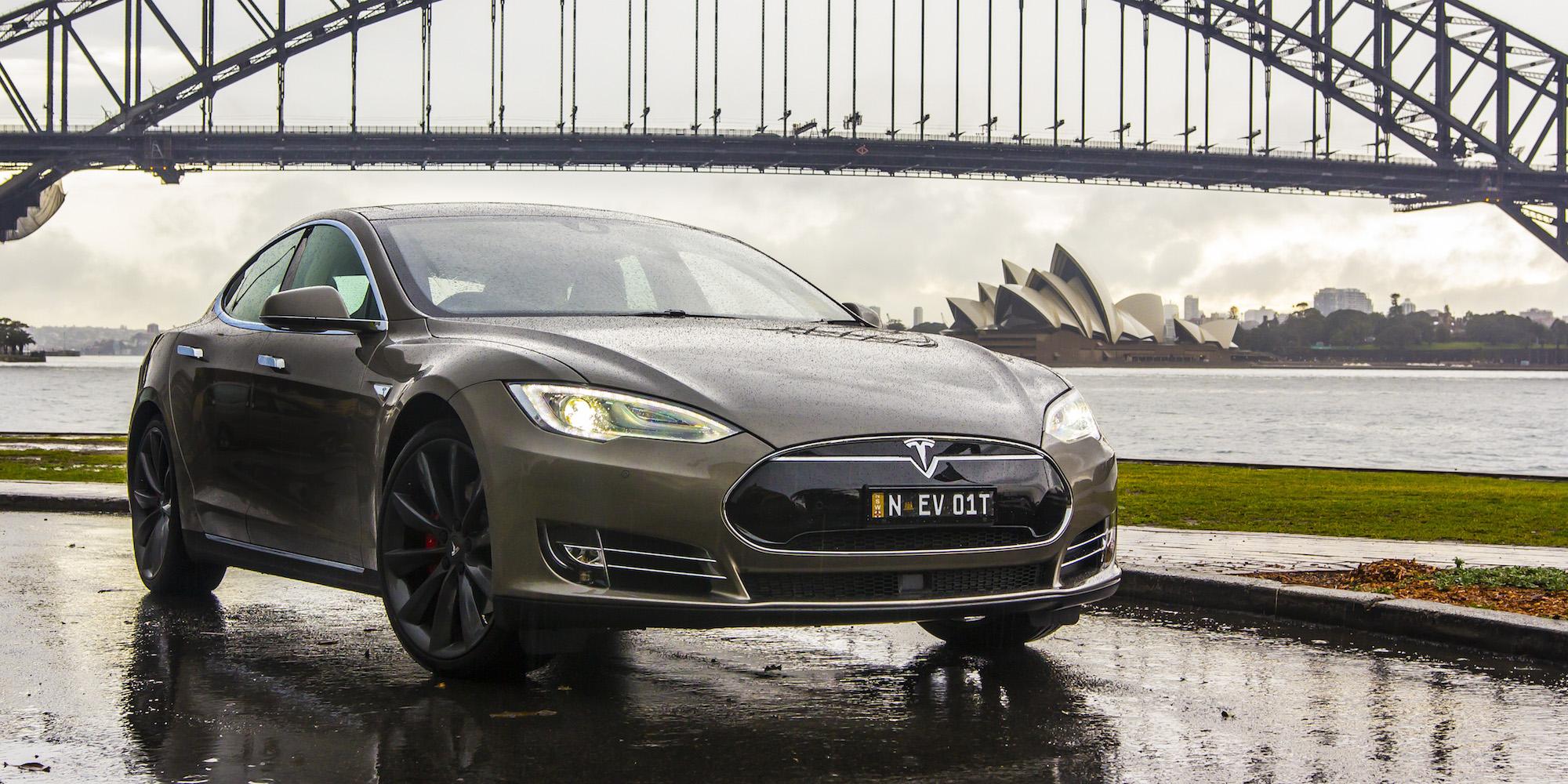2015 Tesla Model S P85D Sedan