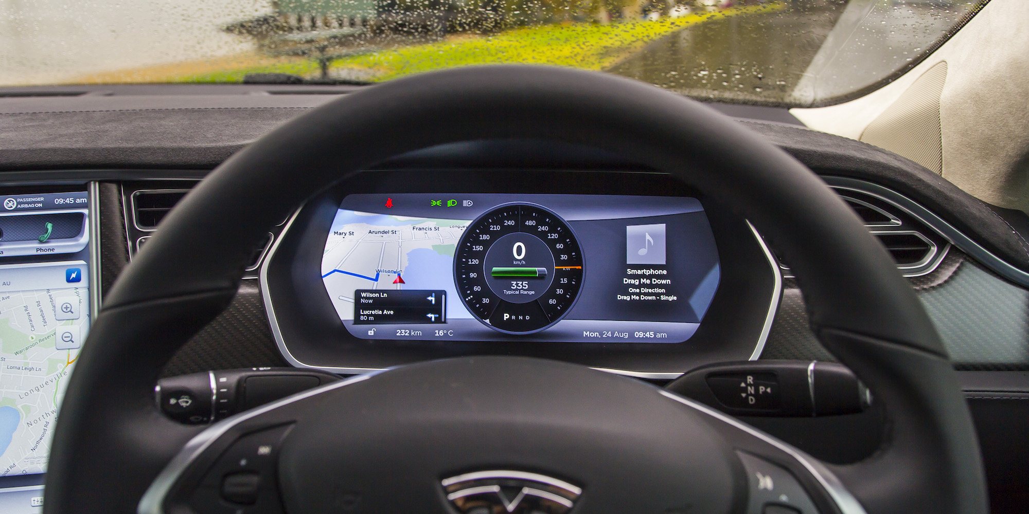 2015 Tesla Model S P85D Speedometer View