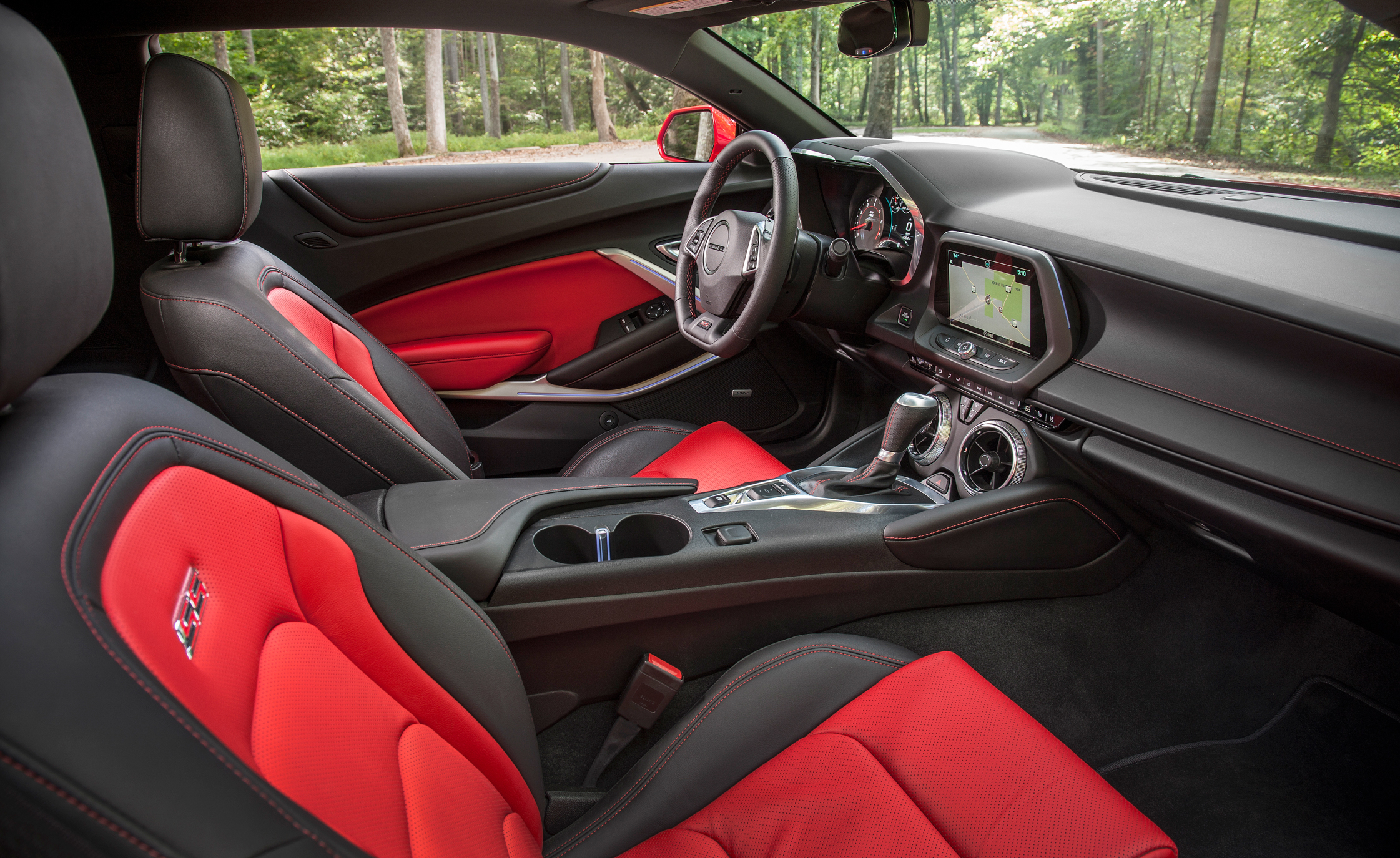 2016 Chevrolet Camaro SS Front Seats Interior Preview