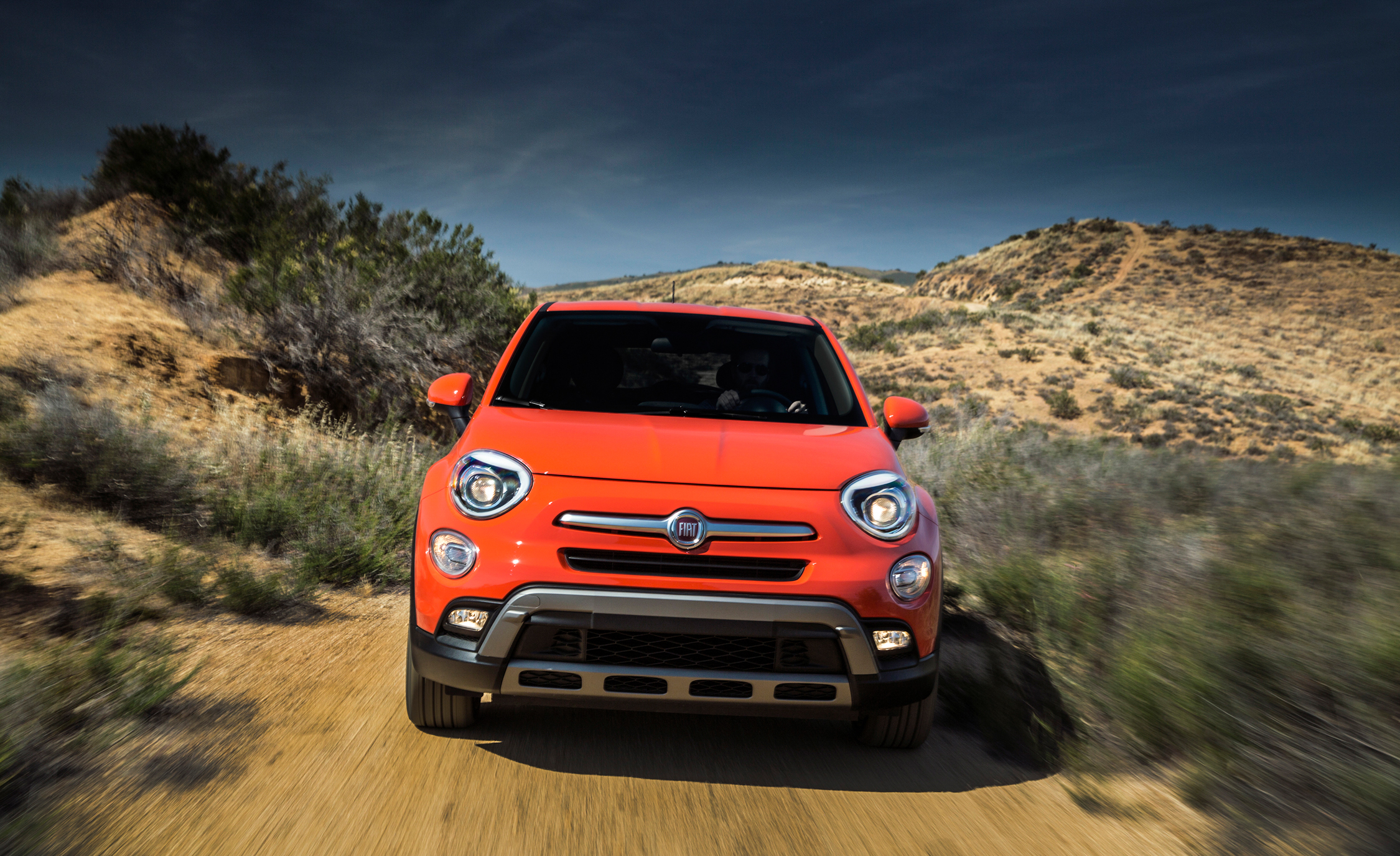 2016 Fiat 500X Trekking Off-Road Front View