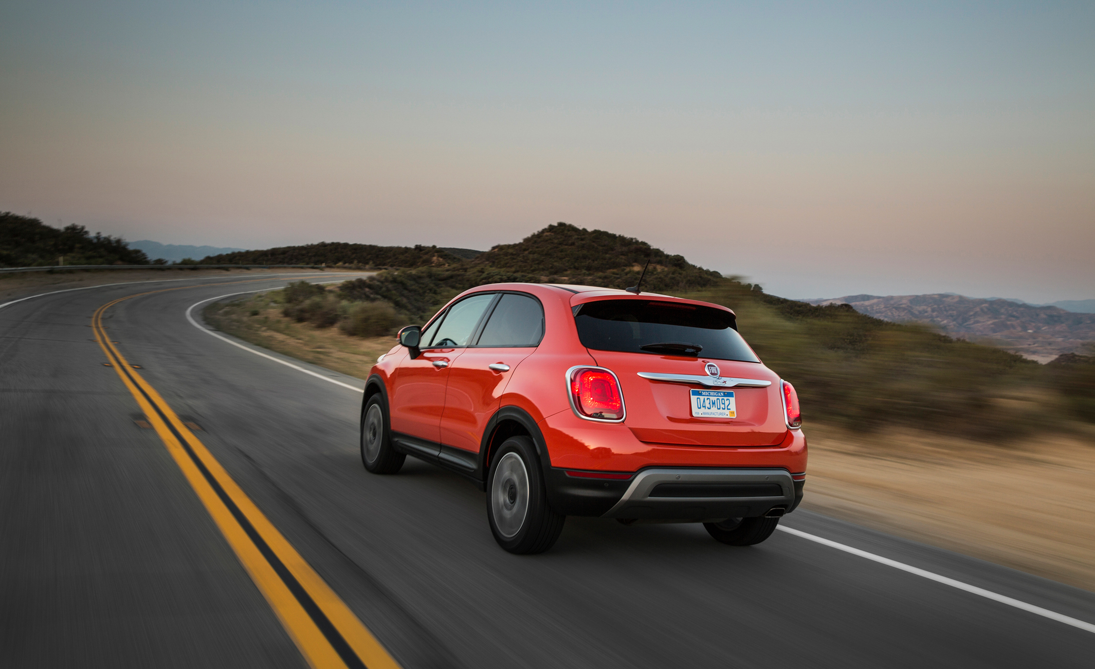2016 Fiat 500X Trekking Rear Side View